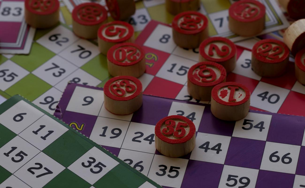 Bingo numbers and cards
