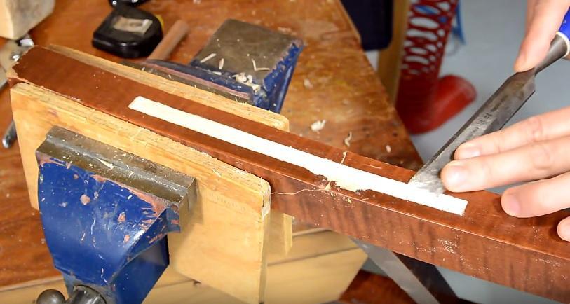 sửa ghế gỗ gãy chân 8