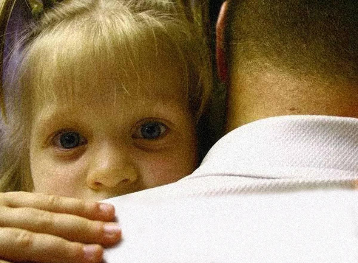 Бывший муж не хочет общаться с ребенком после развода