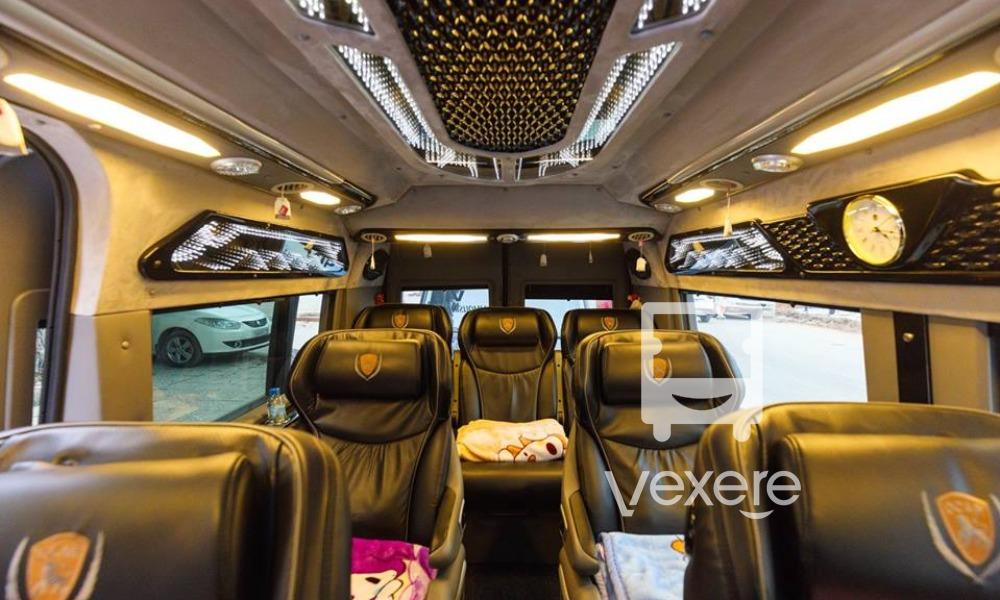 Nội thất xe Móng Cái Limousine đi Quảng Ninh từ Hà Nội