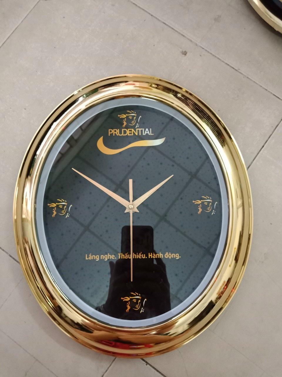 Đồng hồ treo tường in Logo – Món quà tặng cuối năm đầy ý nghĩa cho doanh nghiệp - 1