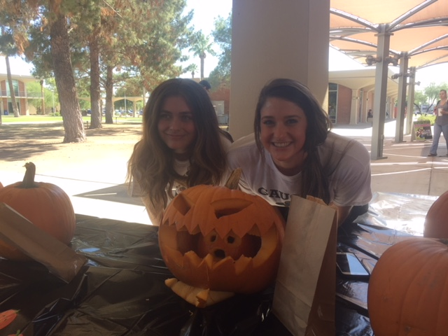 VB Pumpkin Decorating Contest 2.JPG