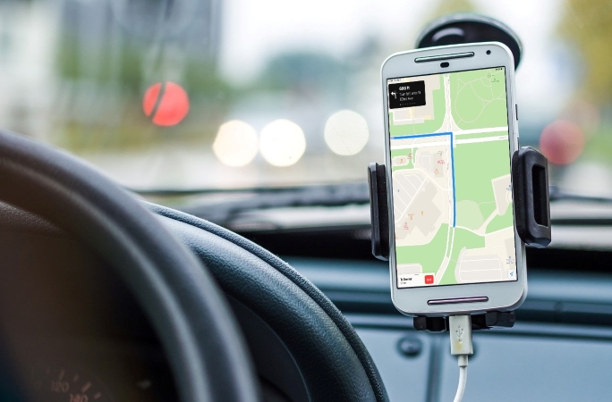 using your phone's GPS to find your way in a new city
