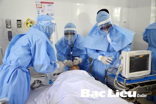 Đồ bảo hộ ngăn chăn lây nhiễm bệnh cho nhân viên y tế