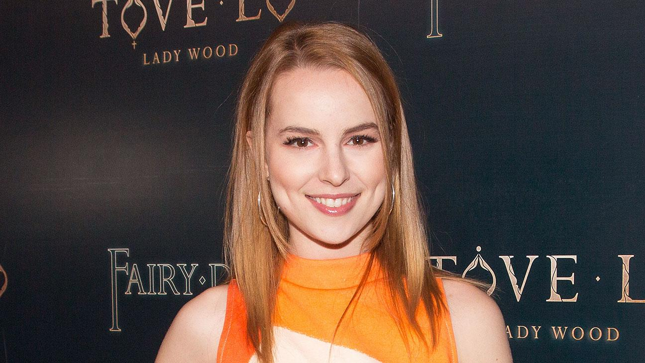 Bridgit Mendler to Star in Fox Comedy From 'New Girl' Creator ...