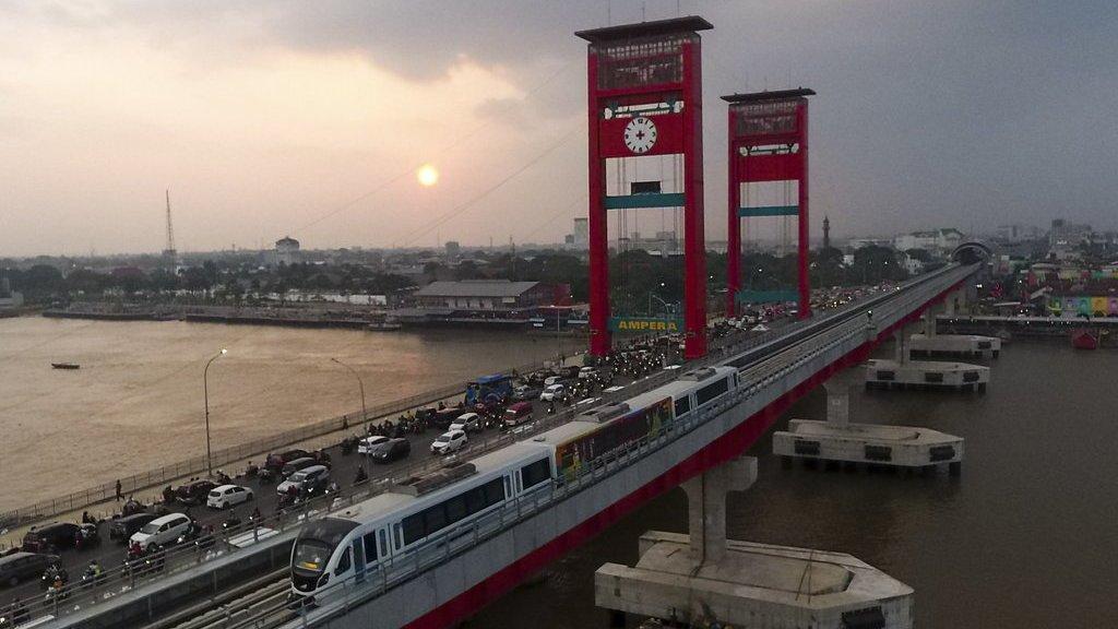 Jusuf Kalla Suruh LRT Palembang Lebih Cepat - Tirto.ID