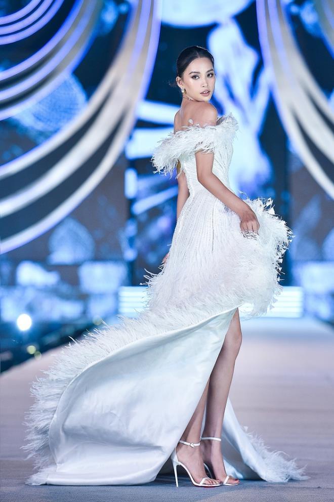 Kỳ Duyên, Đỗ Mỹ Linh khoe chân dài trong đêm thi của 'Hoa hậu Việt Nam' - 5