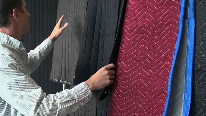 Cara membuat kamar kedap suara dengan selimut tebal
