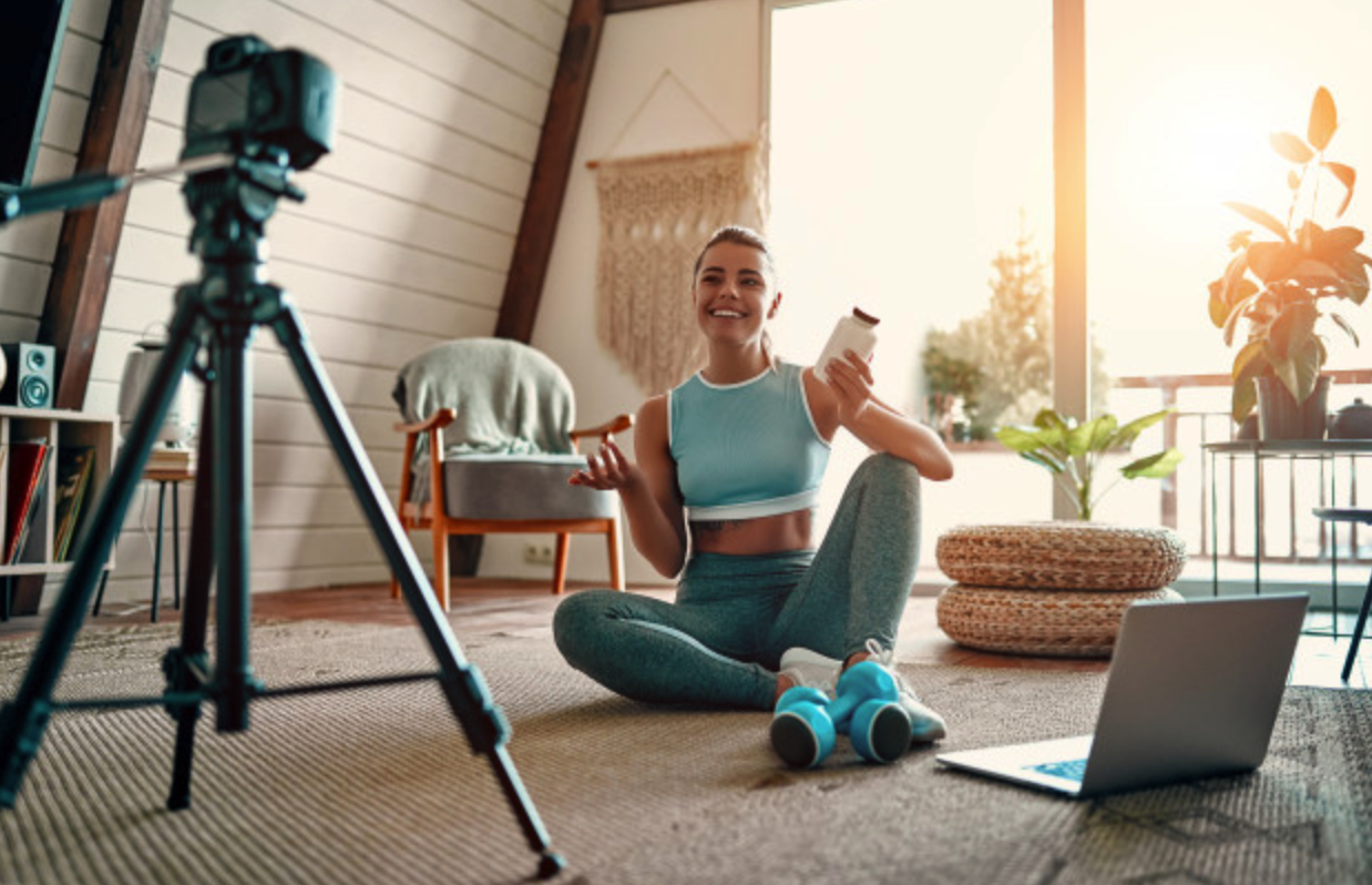 Influencer making a fitness video while promoting a product | Influencer Marketing for Shopify Merchants