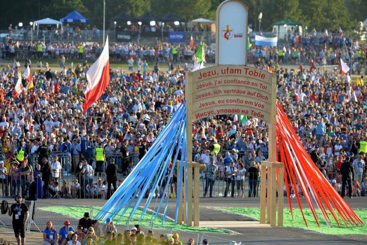 Thống kê: Số người tham dự Thánh Lễ Chúa Nhật ở Ba Lan đã tăng gần 40%
