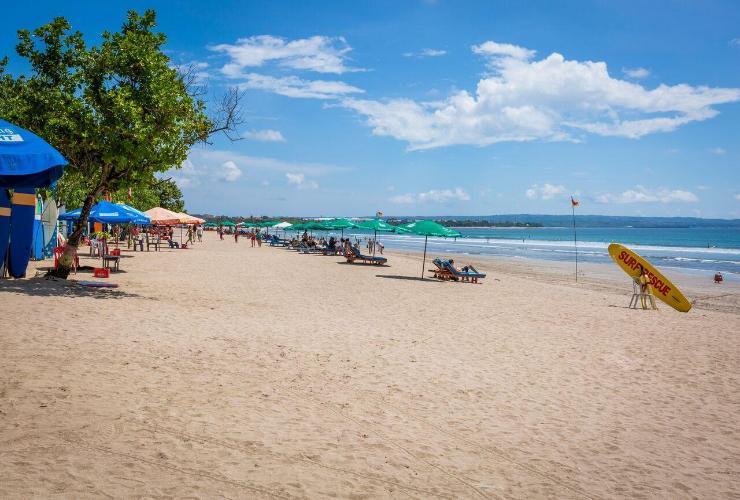 Hasil gambar untuk kuta beach