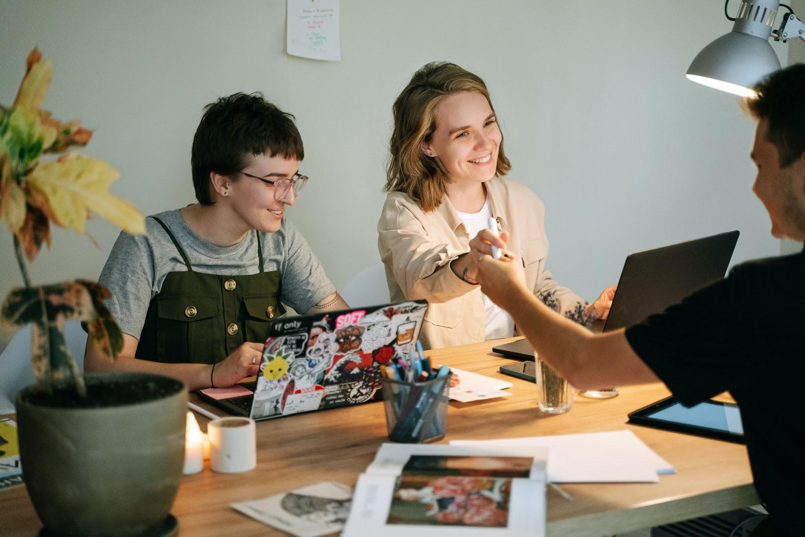 avantages-coworking-pour-les-entreprises