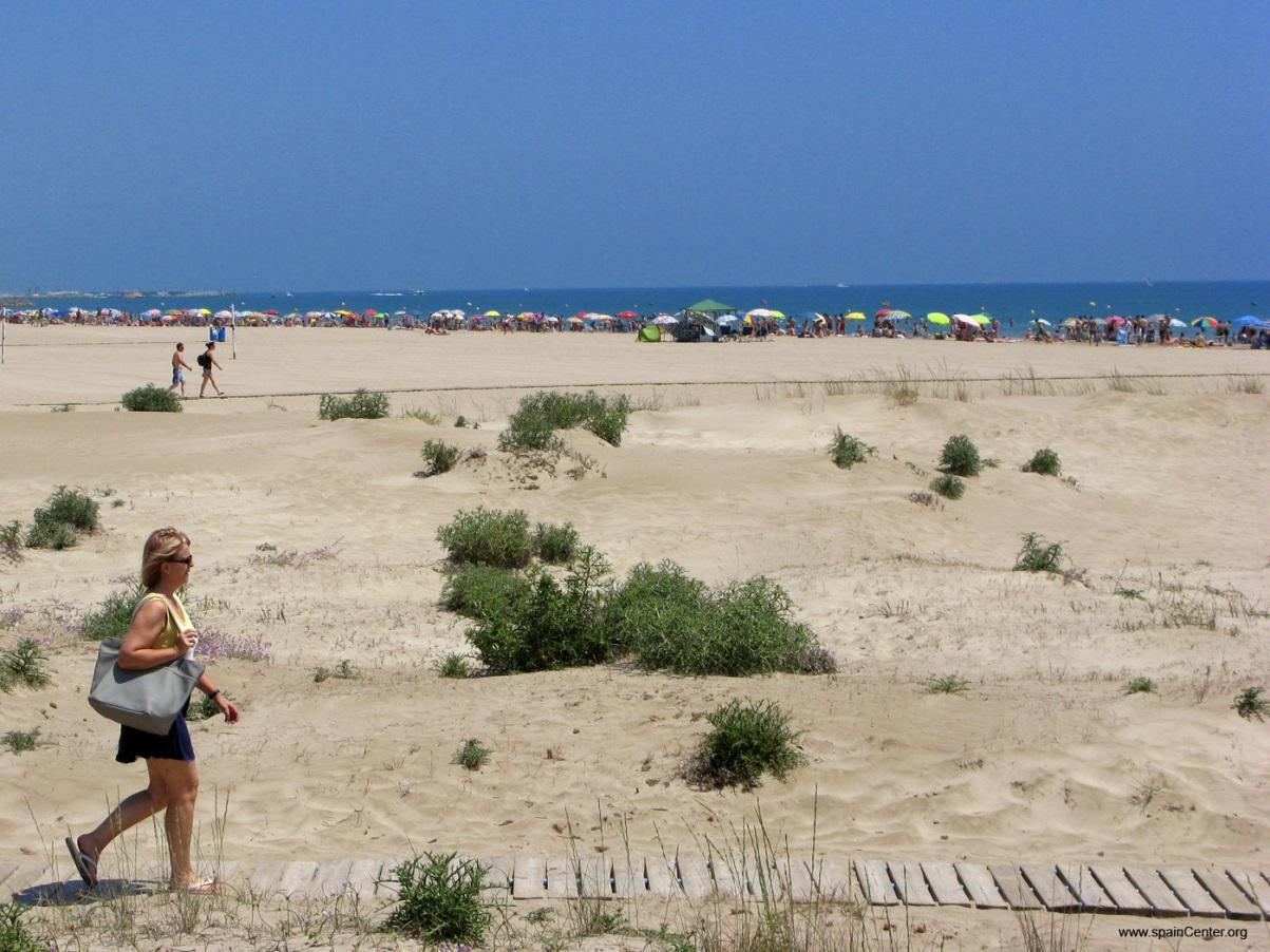 http://www.spaincenter.org/turismo-spain/comunidad-valenciana/valencia/fotos/sagunto-playas-005.jpg