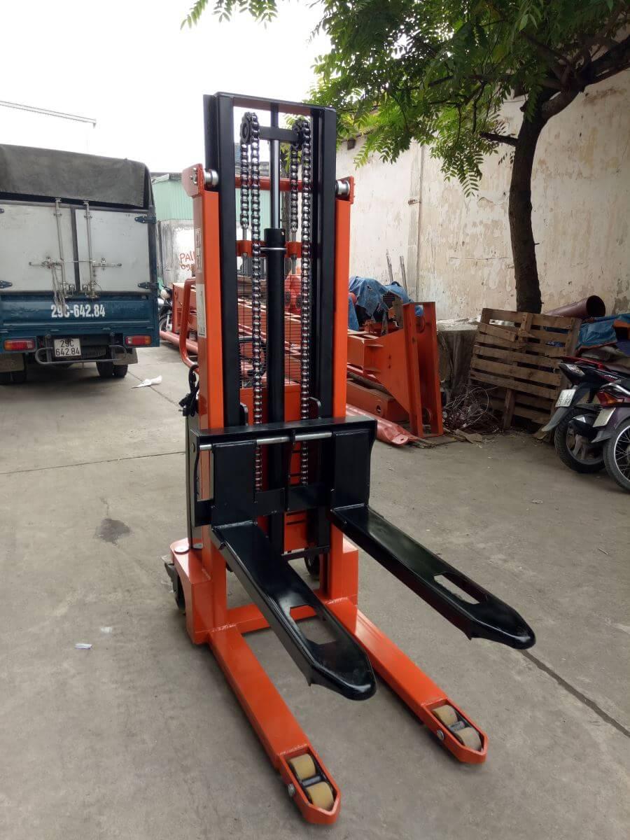xe nâng tay cao thủy lực 1 tấn cao 2 mét bảo hành 12 tháng