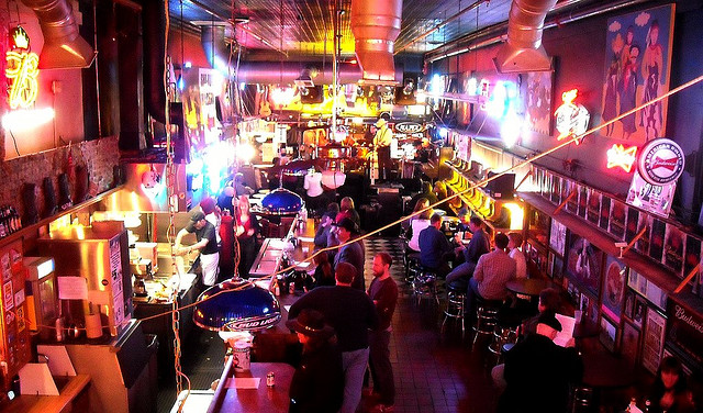 2013_MCE_blog_Vivek-Top-5-Drink-Spots_Roberts-Western-WOrld.jpg
