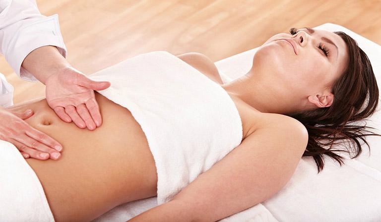 Xoa bóp vùng bụng là cách chữa đau dạ dày tại nhàdễ dàngvà hiệu quả