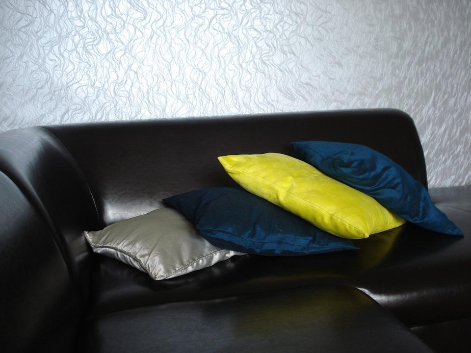 sofa-365534_960_720.jpg