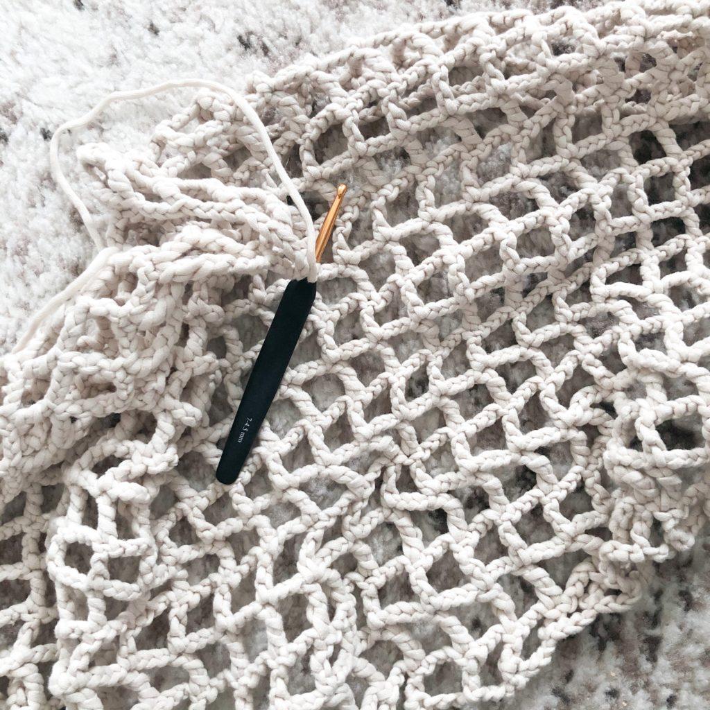 Hooks Weave Nets