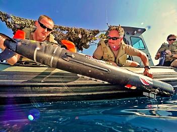 Tàu lặn tự hành cỡ nhỏ Swordfish của Hải quân Mỹ được dùng để thực hiện các sứ mạng trinh sát - Ảnh: Hải quân Mỹ