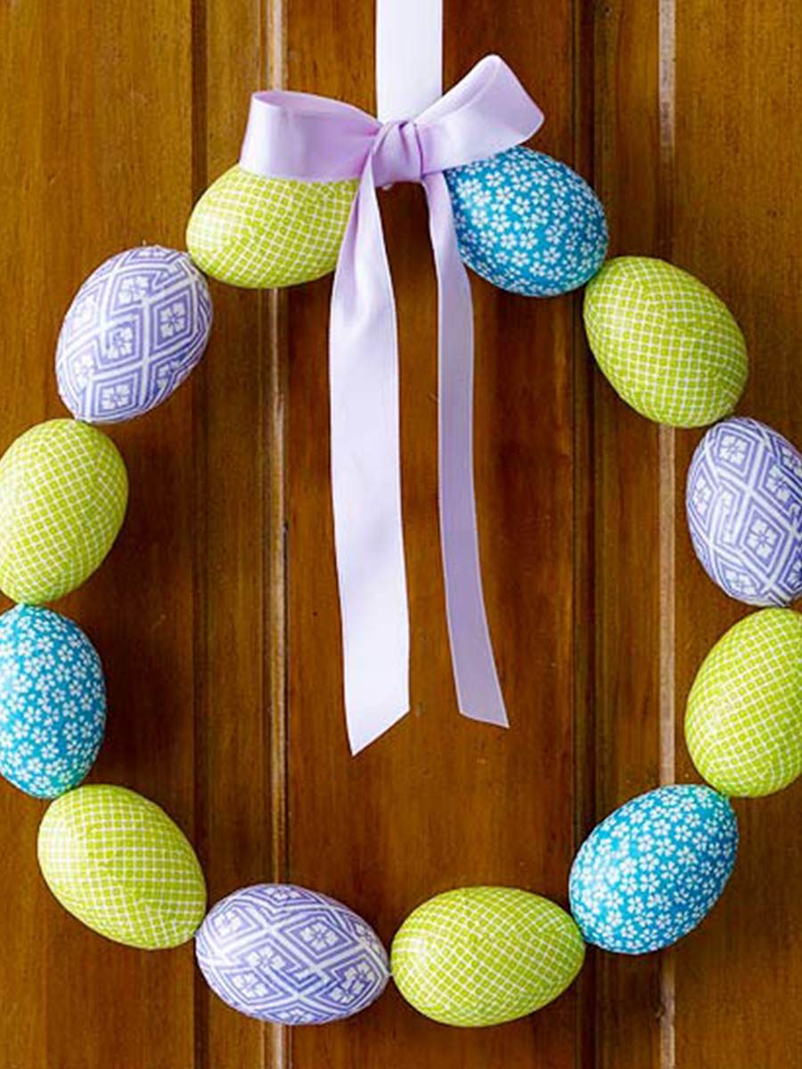 velikonoční věnec z vajíček