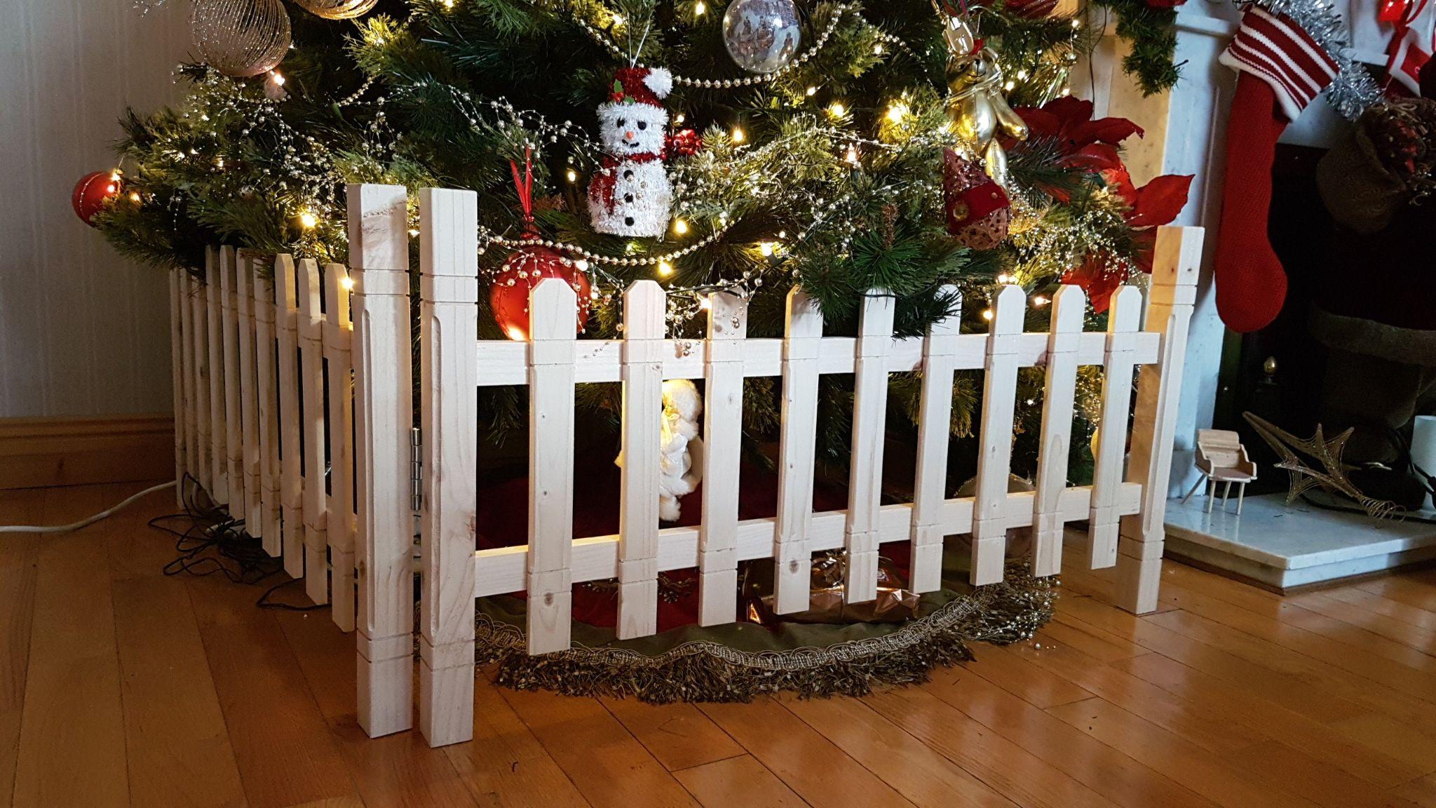 Create a Christmas tree barrier