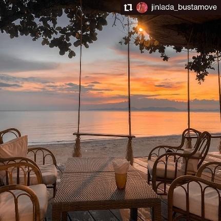 1. Andalay Beach Bar & Cafe' อันดาเลย์ บีชบาร์ แอนด์ คาเฟ่