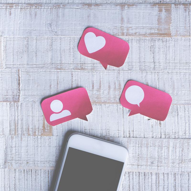 phone hearts social media