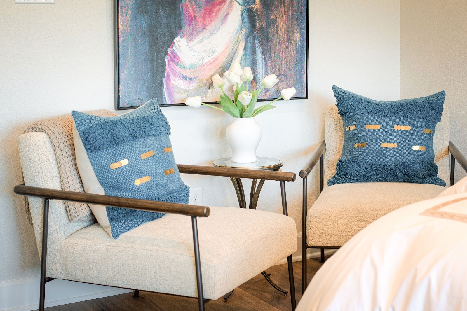 design by keti dallas tx design process accent chairs with blue textured pillows and gold sequence design decorating
