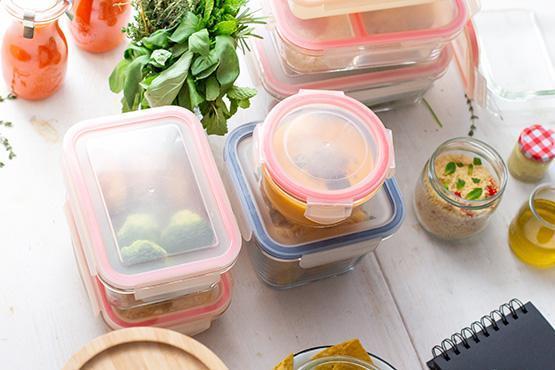 Une image contenant alimentation, conteneur, plastique, plateau Description générée automatiquement