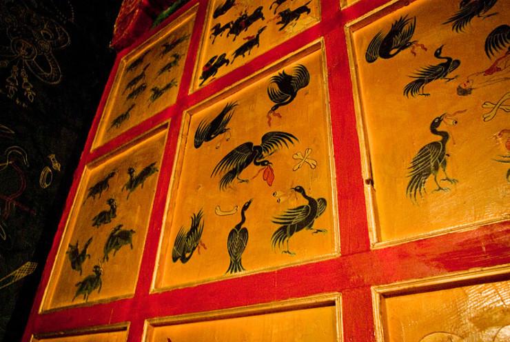 800px-Burials_in_Tibet2