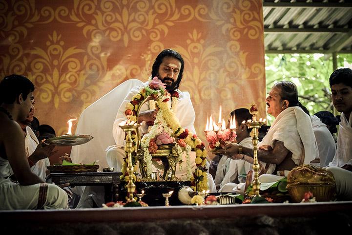 Bhakti Yoga The Path Of Devotion The Art Of Living
