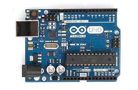 ArduinoUno_R3_Front_450px.jpg