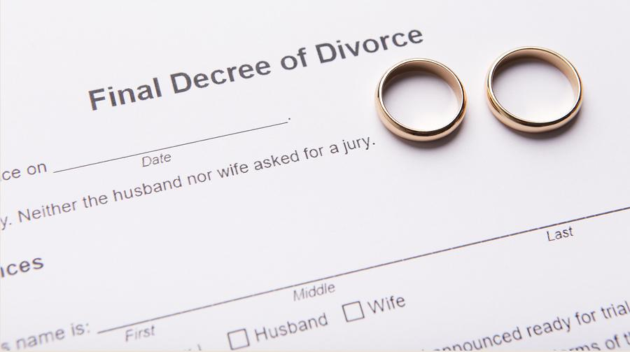 Should I File For Divorce First Or Wait For My Spouse?   Law Office Wendy L  Hart
