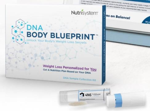 Los clientes toman una muestra de ADN con un hisopo y la envían al laboratorio certificado para su análisis.