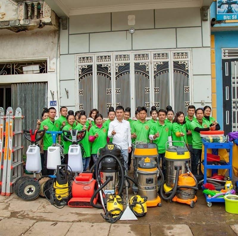Đội ngũ nhân viên tổng vệ sinh nhà sau xây dựng Duy Tuấn