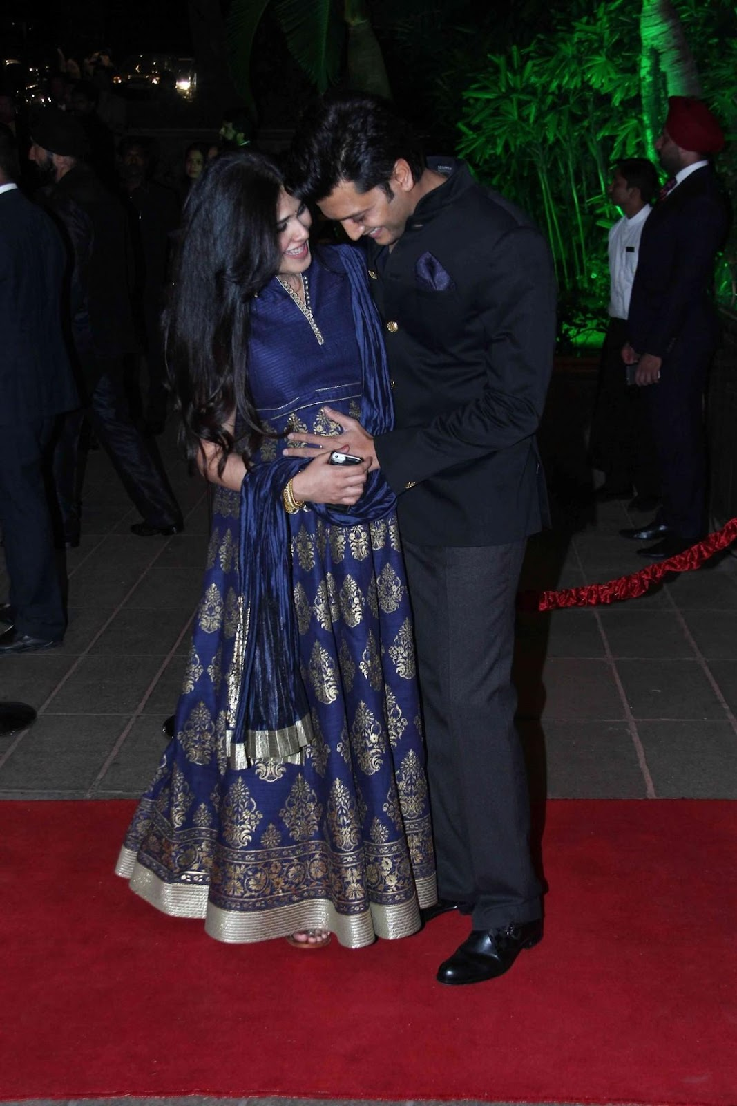 C:\Users\user\Desktop\Reacho\pics\1416812849_cute-pictures-riteish-deshmukh-mom-be-genelia-arpita-khans-wedding-reception-go-viral.jpg