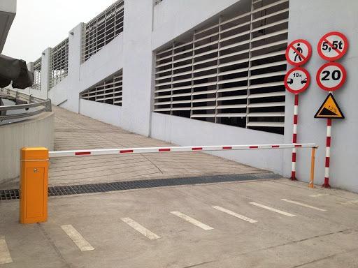 Thanh chắn tự động giúp đảm bảo an toàn cho những chiếc xe được trông giữ