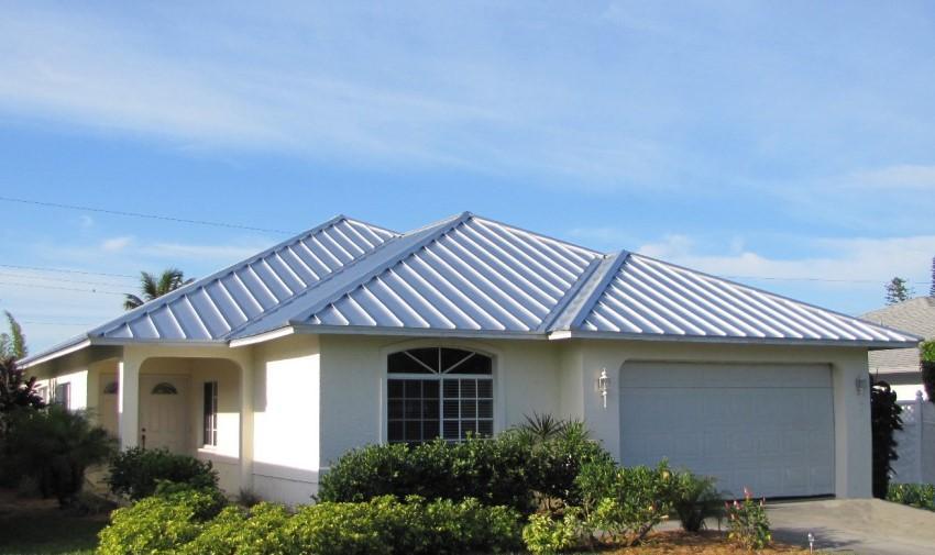 Lựa chọn màu sắc và thiết kế mái tôn phù hợp giúp đem lại vẻ đẹp cho công trình