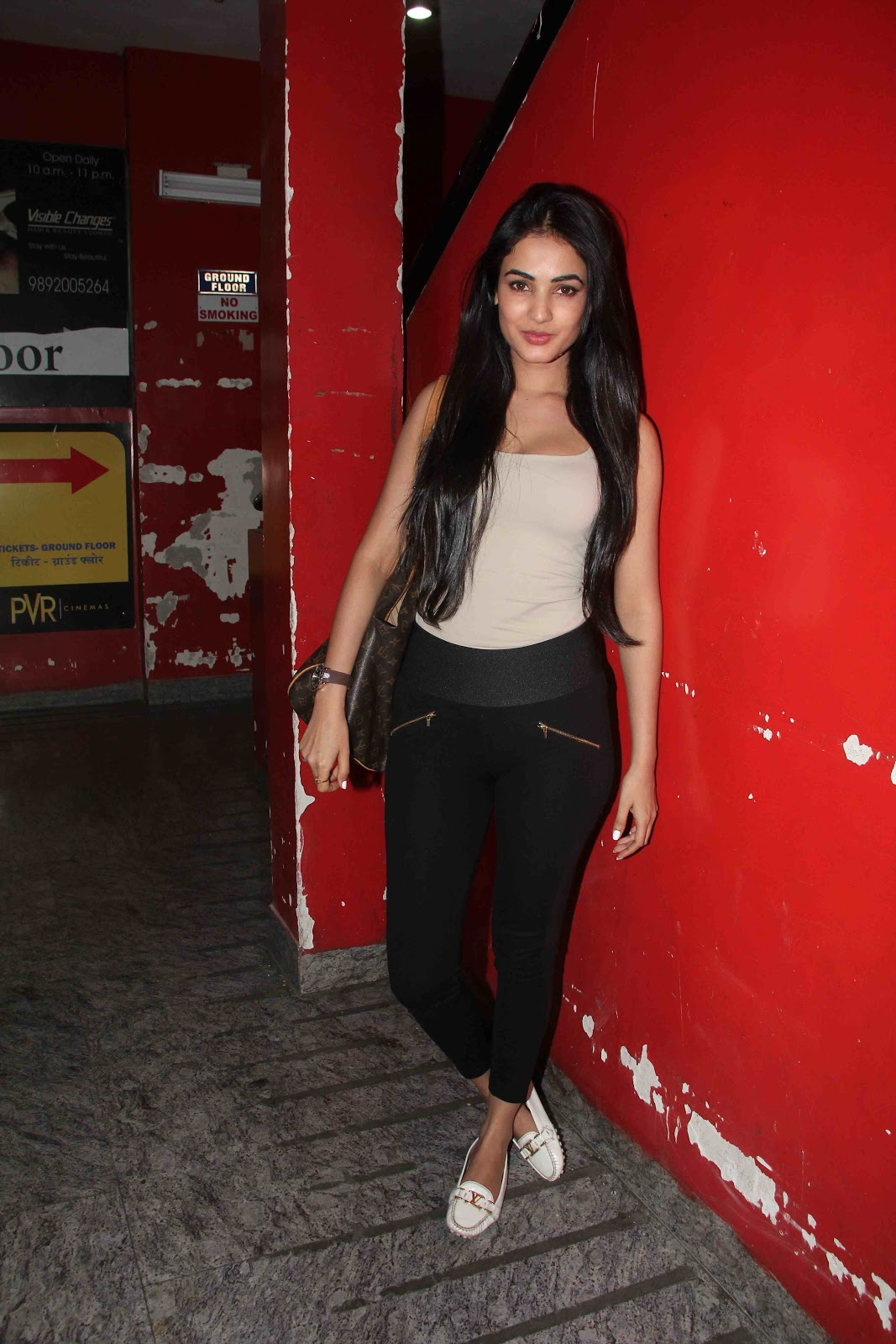 Sonal Chauhan hot n sexy