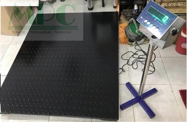Sản phẩm cân sàn điện tử chất lượng tốt