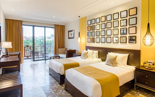 Luxury Hotel Near Da Nang International Airport