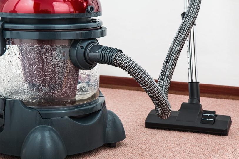 C:\Users\LAKSHMI\Downloads\vacuum-cleaner-657719_1920.jpg