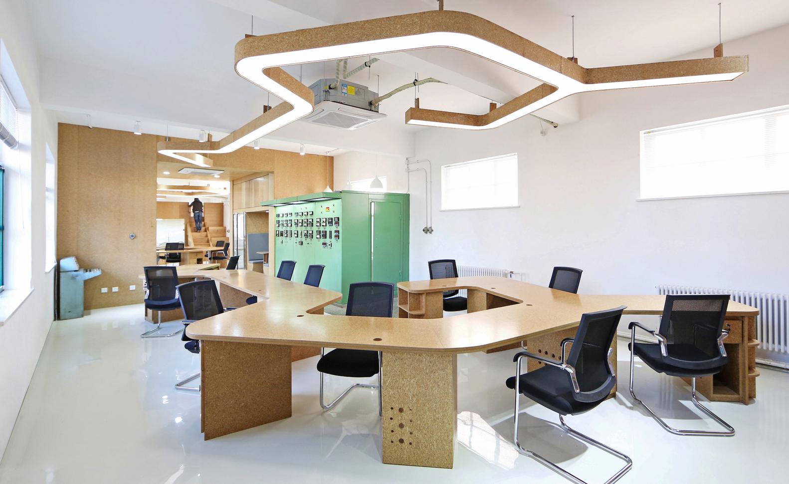 Nội thất Daitech mách bạn các lưu ý quan trọng phải nhớ khi lựa chọn ghế văn phòng