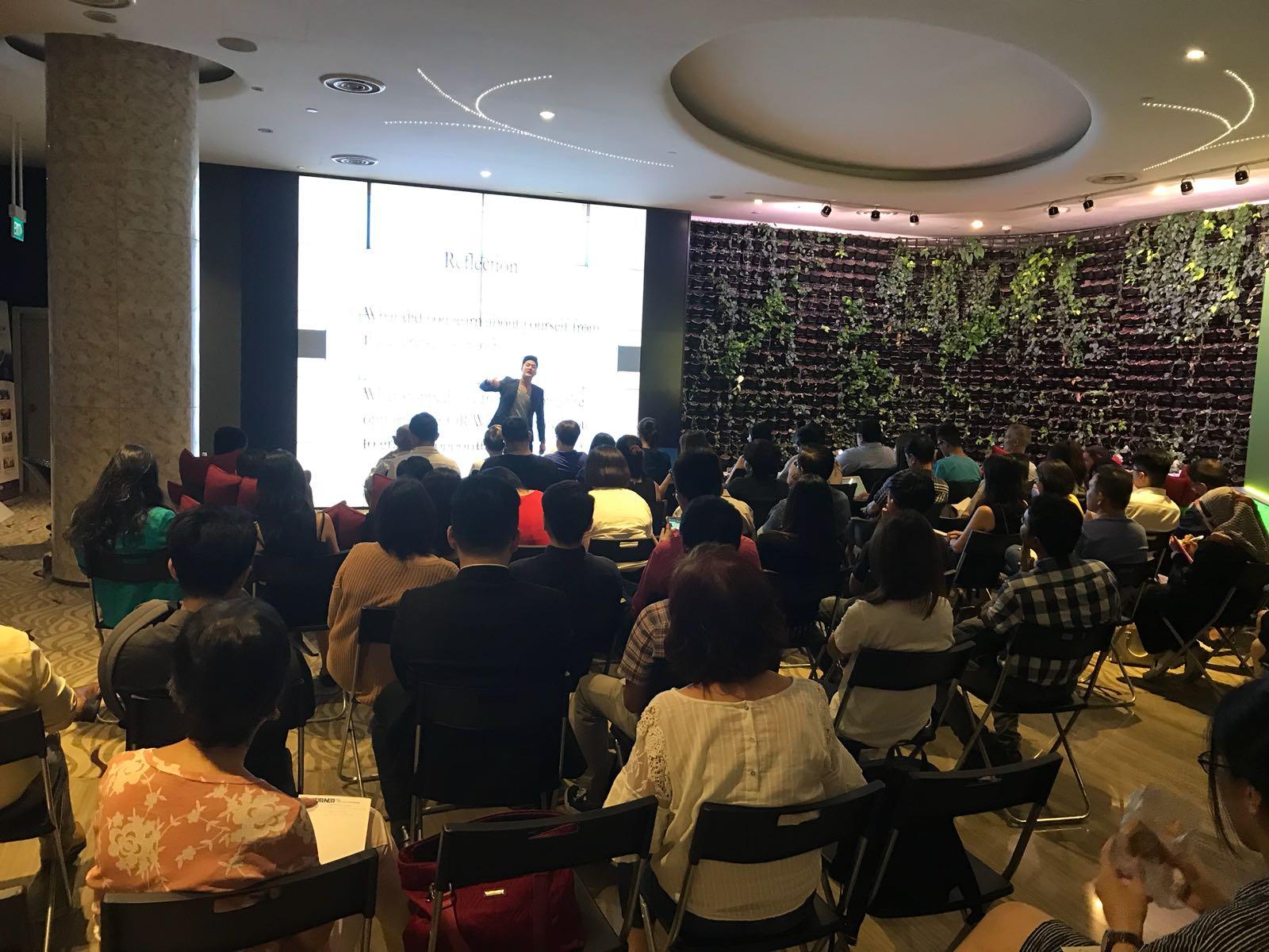 Alaric Ong conducint a seminar to 80 people