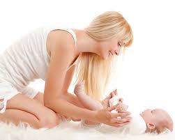 Resultado de imagen de masaje del bebe ambiente calido