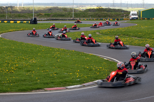 Karting entre collègues, et pourquoi pas ?