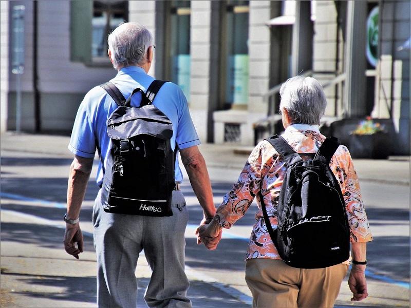 O envelhecimento caracteriza a evolução fisiológica natural de todo ser humano. É uma etapa da vida, não uma doença. (Fonte: pasja1000/Pixabay/Reprodução