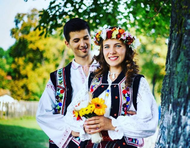 Tengase Presente: Lo de casarse en diferentes partes del mundo.