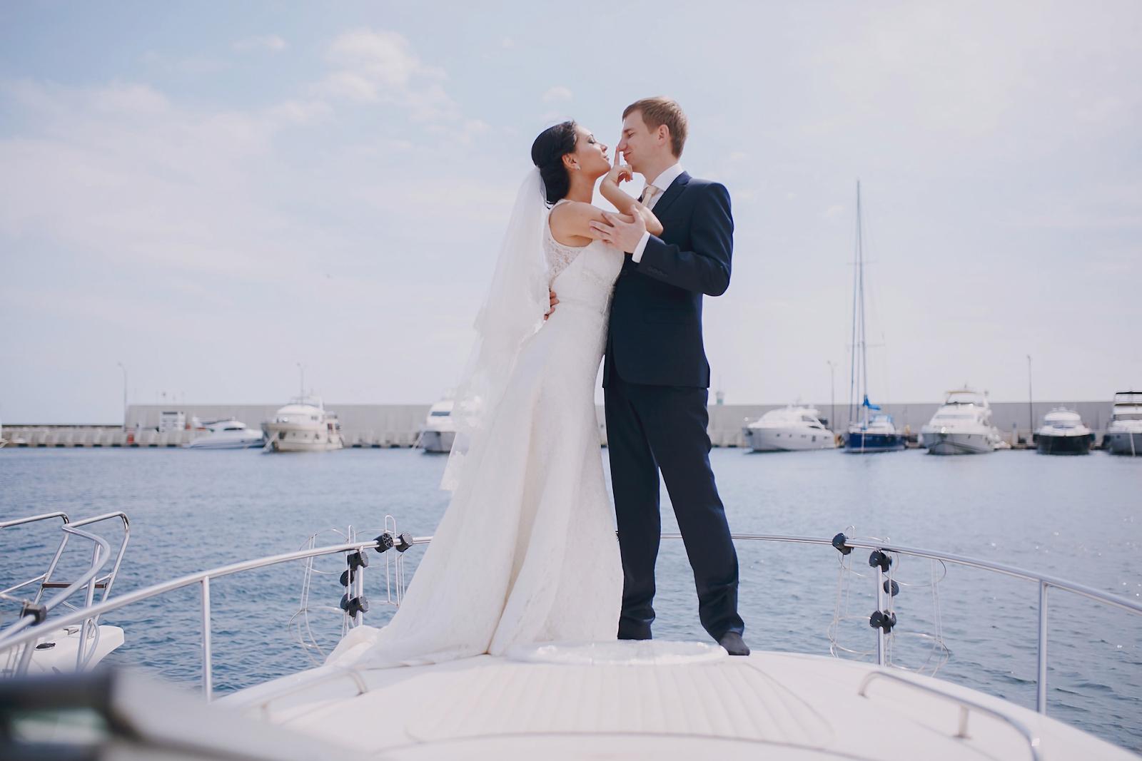 wedding reception on boat