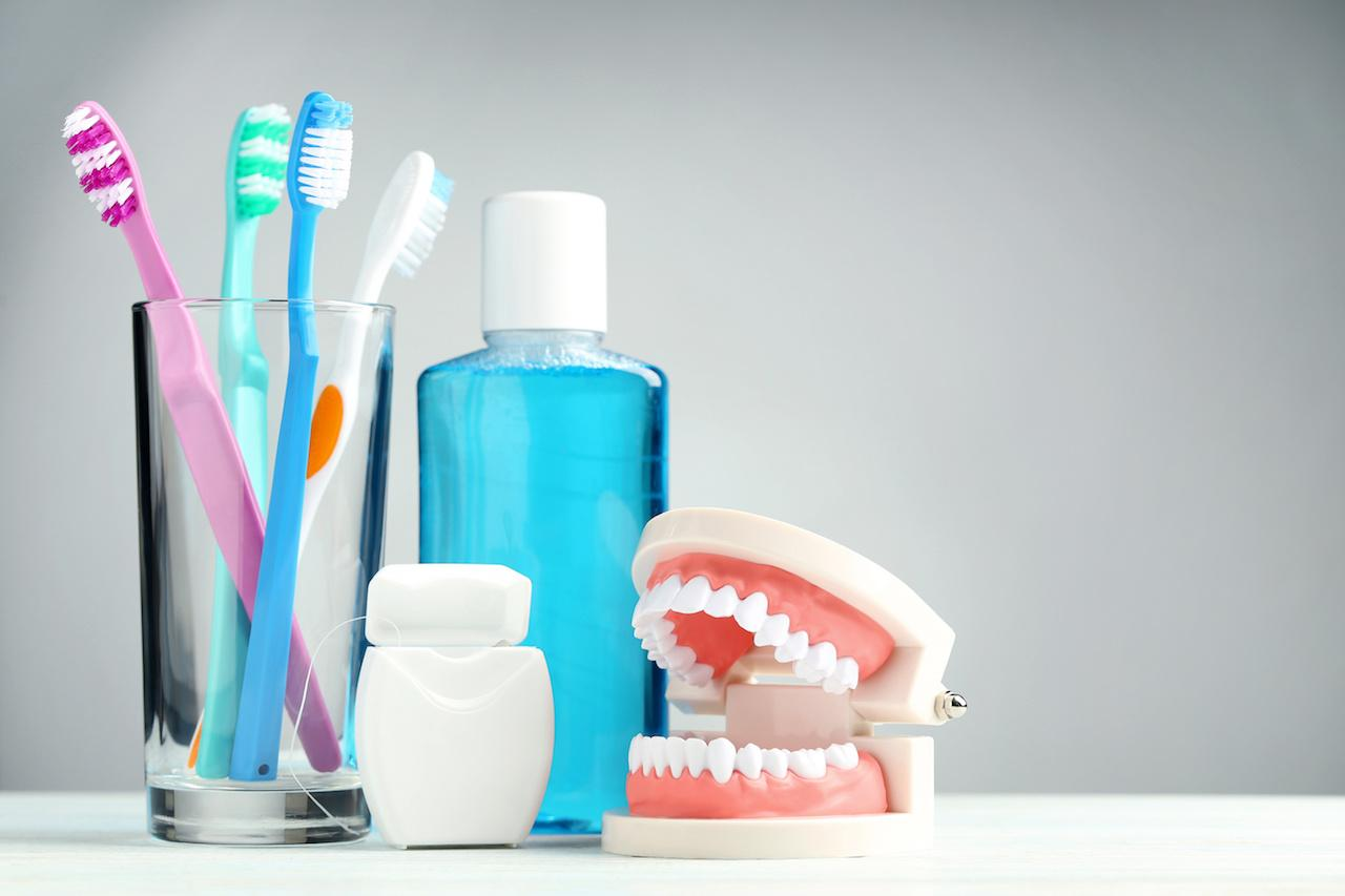 whitening-toothpaste-and-rinse